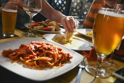 dinner-601576__340