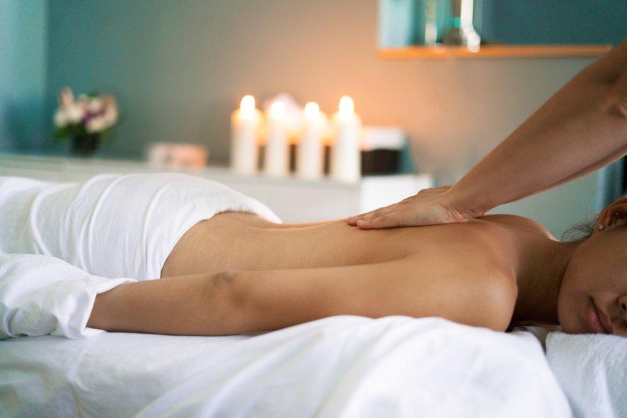 woman-getting-back-massage_4460x4460
